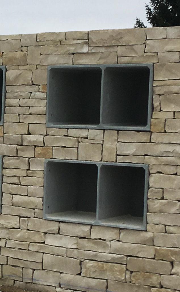 Monument cinéraire en Granit Liquide, Haute-Savoie